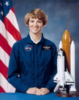 "NASA Astronaut Eileen Collins 8""x10"" Full Colour Portrait #1"